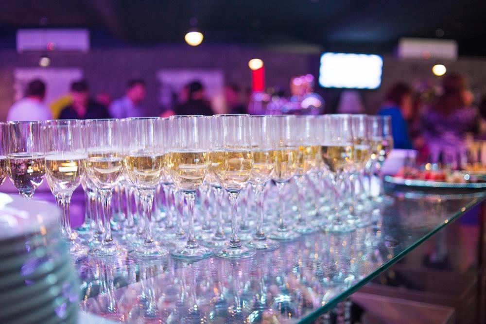 Soirée d'entreprise avec buffet de champagne